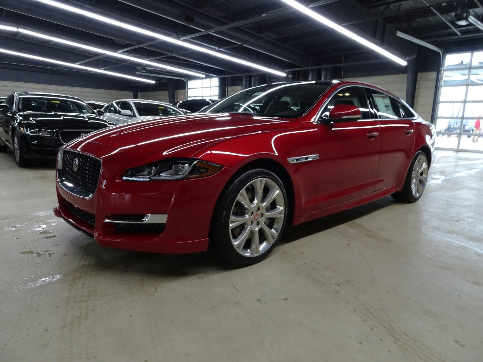 new 2018 jaguar xj xj r sport 4 door sedan in cincinnati. Black Bedroom Furniture Sets. Home Design Ideas