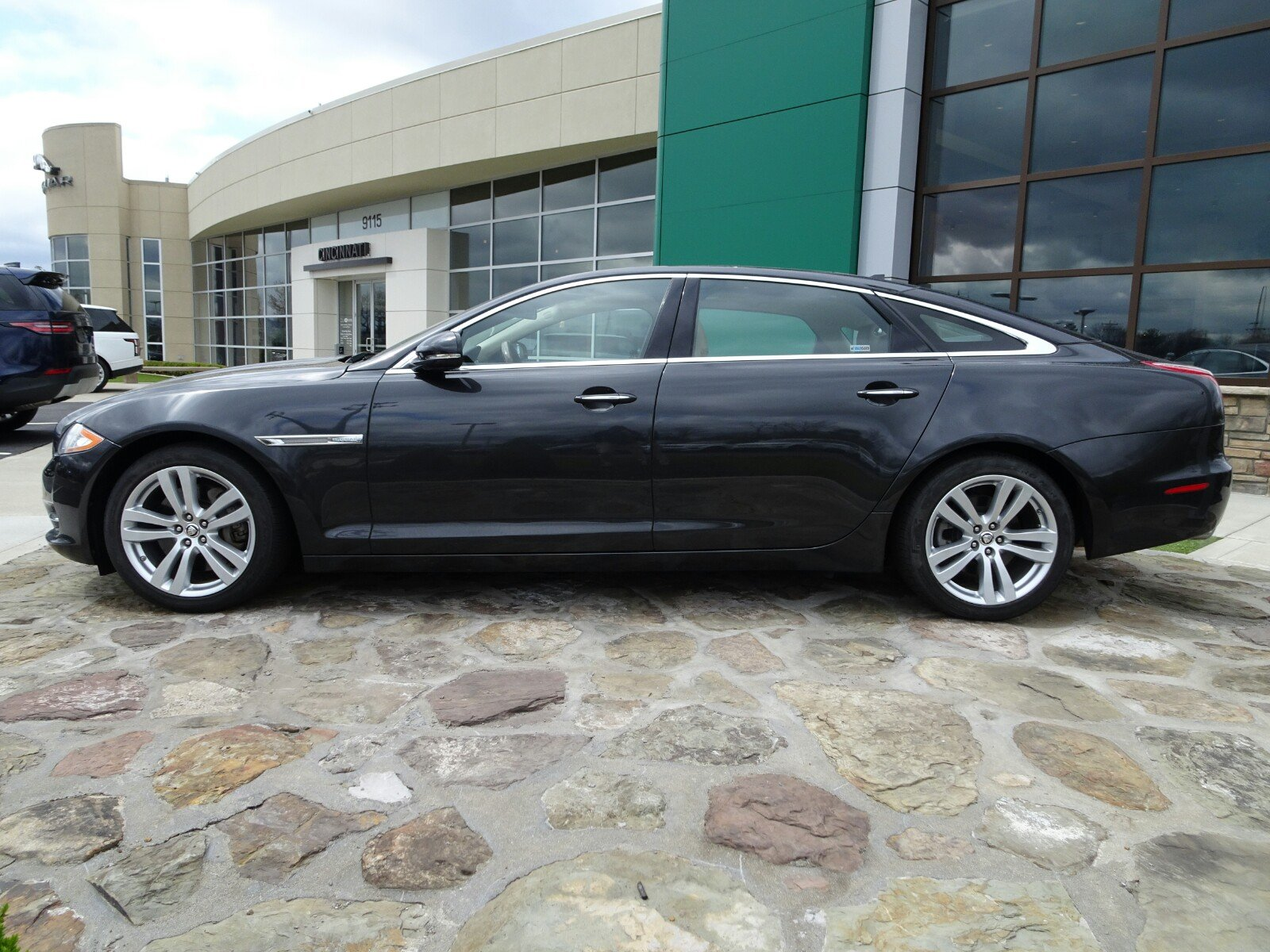 owned portfolio mitchell in inventory awd pre jaguar fort xj xjl used car